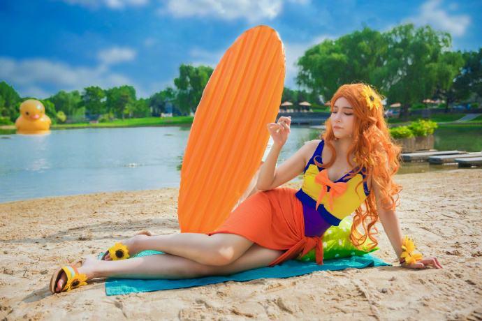 官博分享泳池派对COS照 夏日清凉一夏