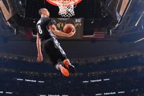 颤抖吧 NBA2KOL逆天六扣拉文是如何做到的