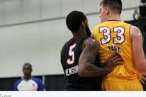NBA2KOL湖人充实内线发展联盟召回波黑新秀
