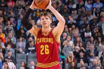 NBA2KOL科沃尔一场球征服所有队友 JR回归