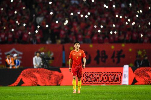亚洲杯中伊足球顶尖射手对比,金靴赔率说明一切