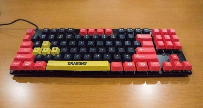 上海龙之队CHERRY樱桃合作定制机械键盘亮相,龙腾云霄,首战在即!