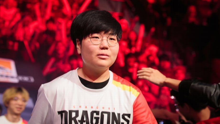 上海龙之队Geguri荣登《时代周刊》 首位登上《TIME》的女电竞选手