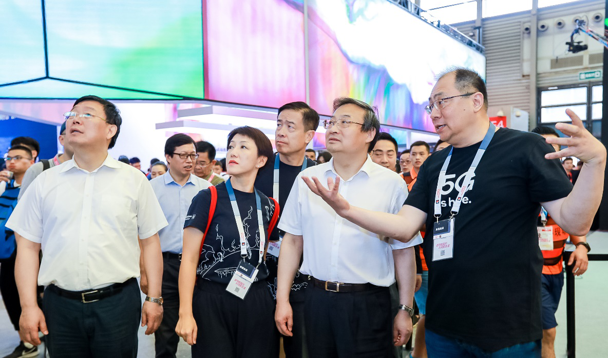 2019ChinaJoy首日,中宣部副部长梁言顺等领导莅临参展企业展台