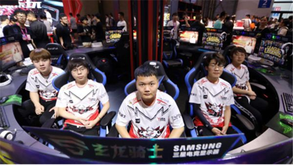 JDG战队亮相ChinaJoy2019 三大展台激情互动引热议