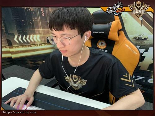 QQ飞车谁是车王S7总决赛 速度诠释电竞