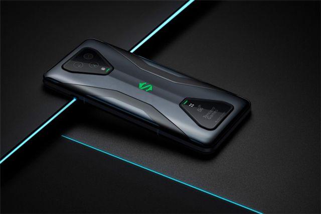 """不止65w极速闪充,详解腾讯黑鲨游戏手机3的""""串充并放""""专利技术"""