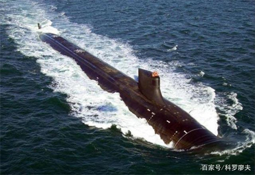 美国核潜艇在南海撞上不明物体 造成多名艇员受伤
